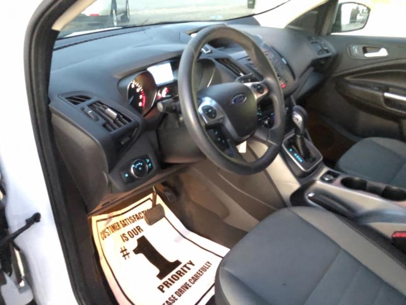 Ford Escape 2013 price $9,988