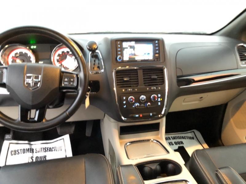 Dodge Grand Caravan 2016 price $12,495
