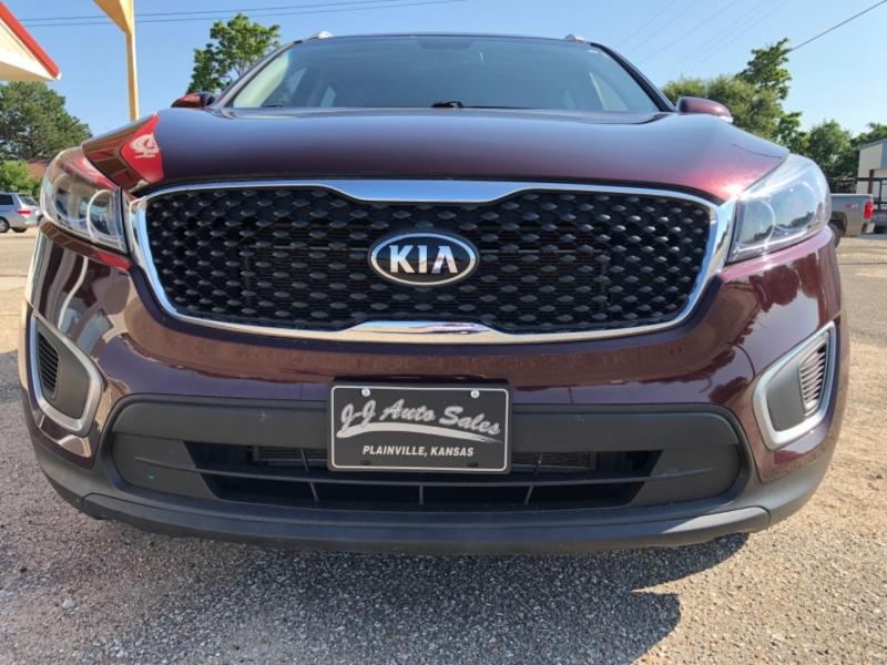 Kia Sorento 2017 price $18,995