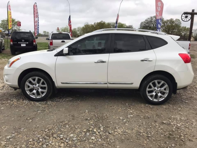 Nissan Rogue 2011 price $5,995
