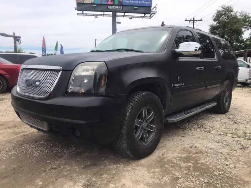 GMC Yukon XL 2007 price $9,950