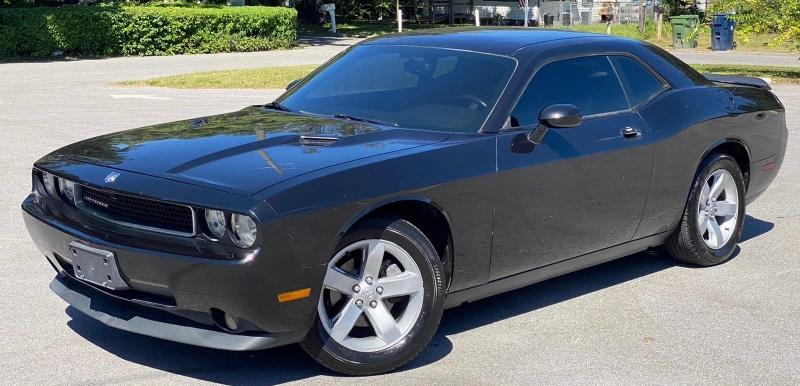 Dodge Challenger 2010 price $12,900