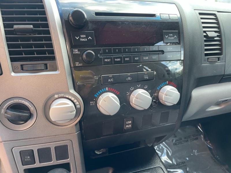 Toyota Tundra 4WD Truck 2011 price $18,900