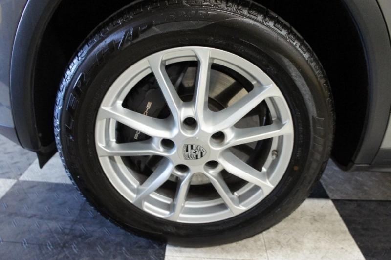 Porsche Cayenne 2016 price $43,900