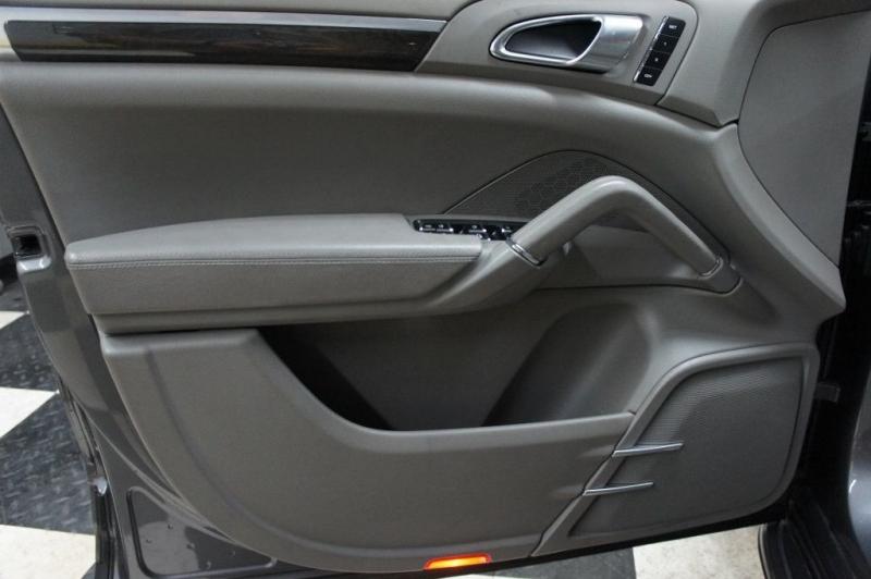 Porsche Cayenne 2011 price $23,900