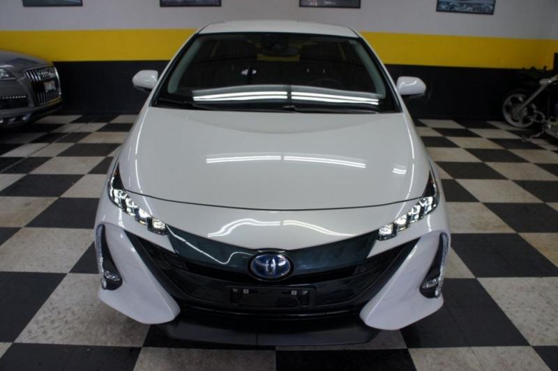 Toyota Prius Prime 2018 price Call for Pricing.