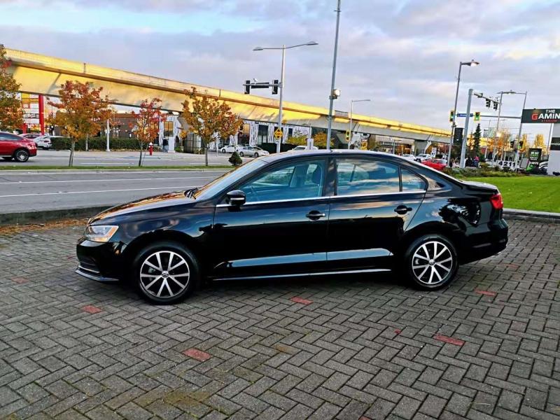 Volkswagen Jetta 2015 price $11,900