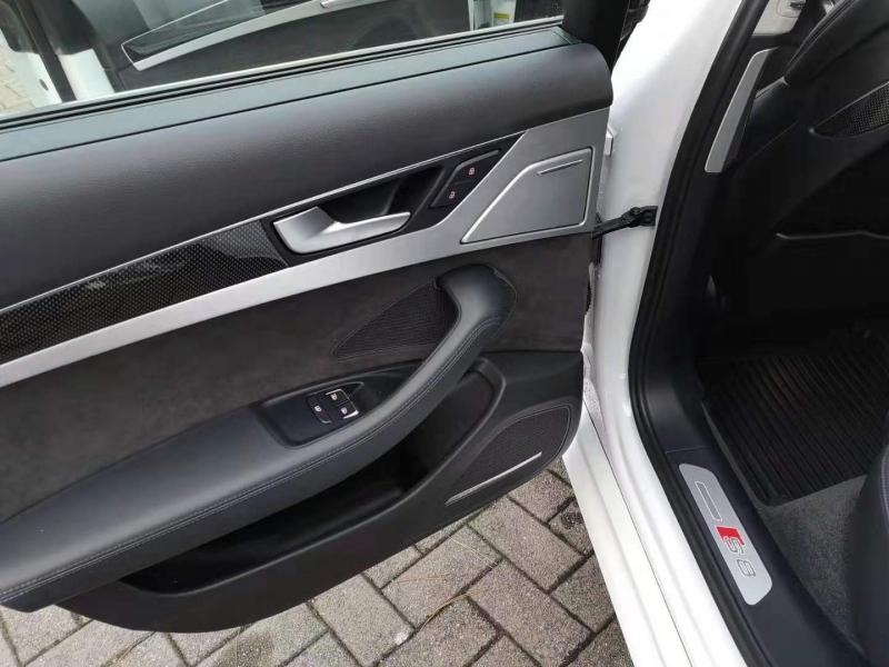 Audi S8 2015 price $53,900