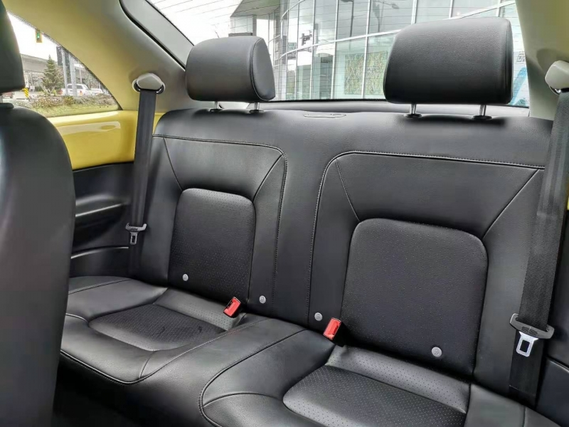 Volkswagen New Beetle 2010 price $11,900