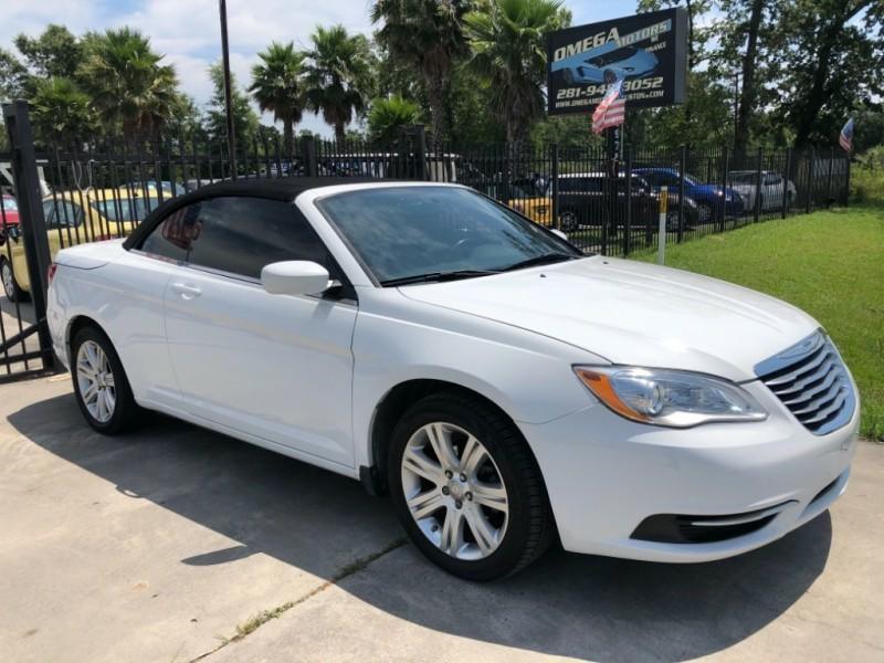 Chrysler 200 2013 price $6,999