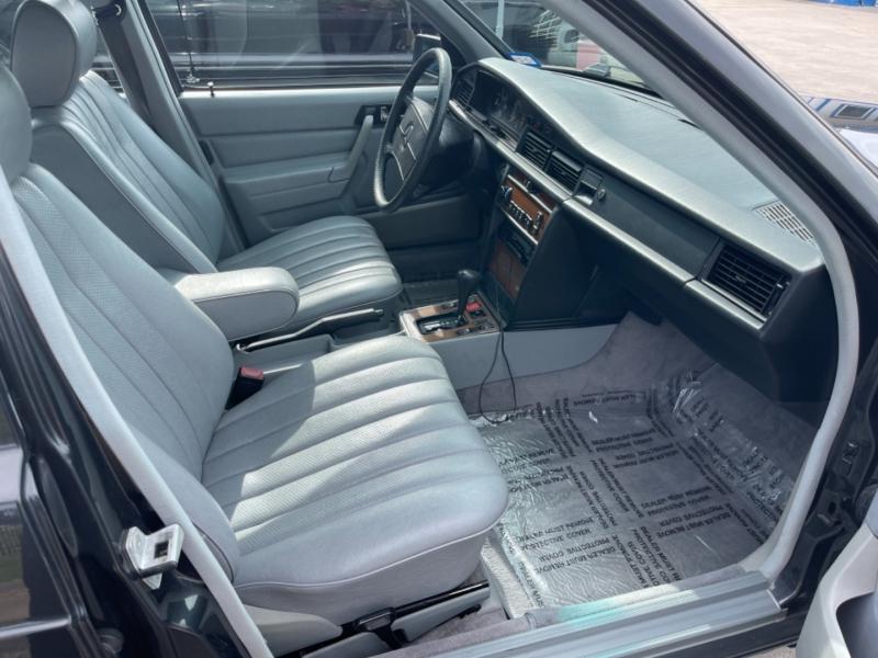 Mercedes-Benz 190 Series 1988 price $13,999