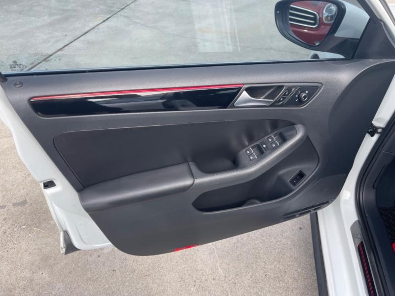 Volkswagen Jetta 2017 price $17,500