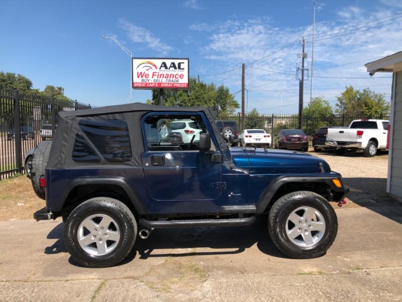 Jeep Wrangler 2003 price $10,995