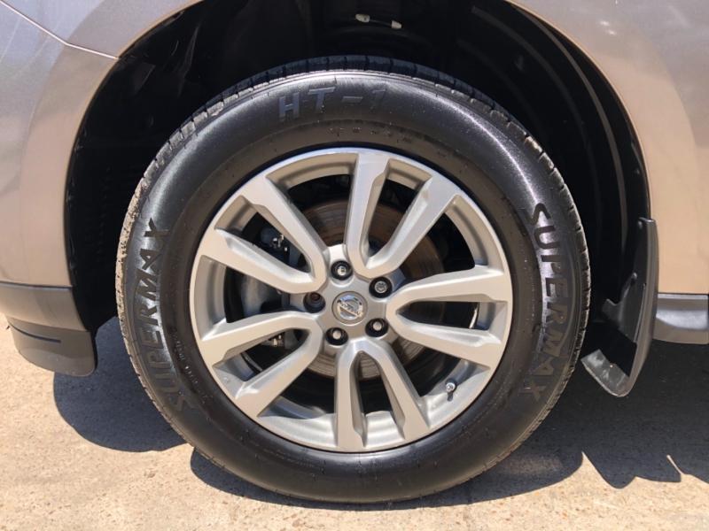 Nissan Pathfinder 2013 price $14,995