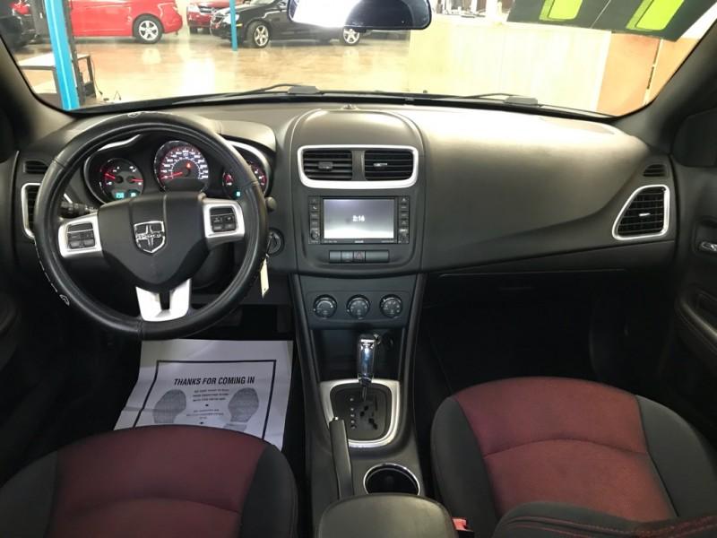 Dodge Avenger 2011 price $4,250