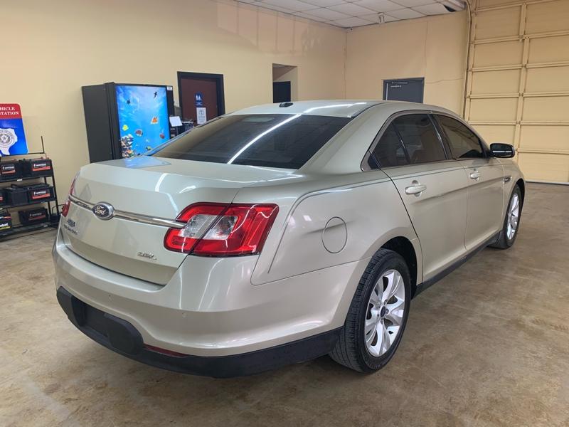 Ford Taurus 2010 price $5,900 Cash