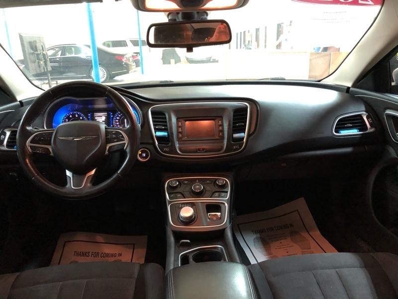 Chrysler 200 2015 price $4,900 Cash