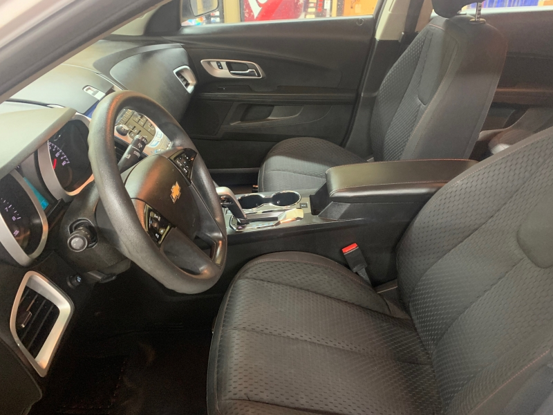 Chevrolet Equinox 2014 price $8,950