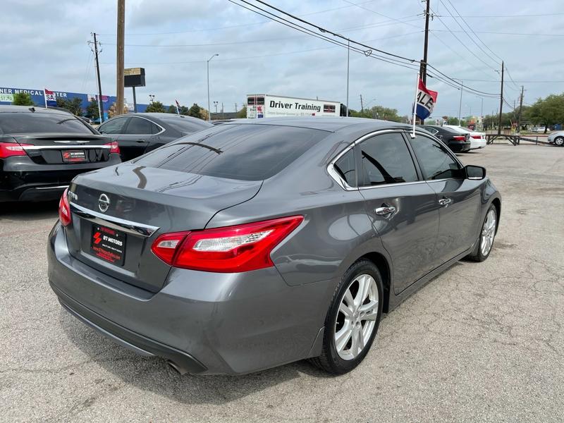 Nissan Altima 2016 price $13,900