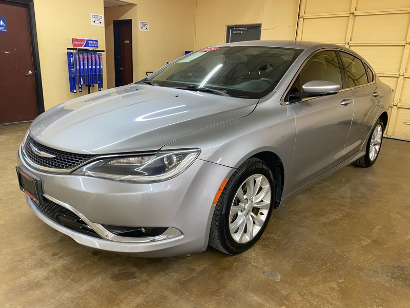 Chrysler 200 2015 price $13,500