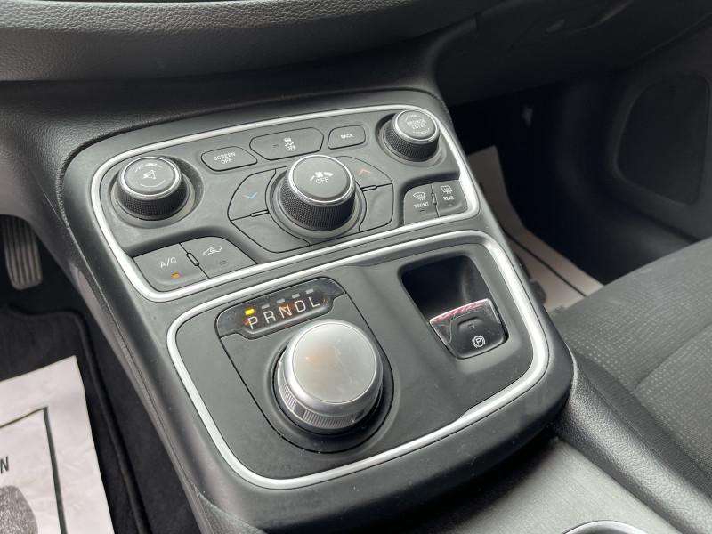 Chrysler 200 2016 price $13,900