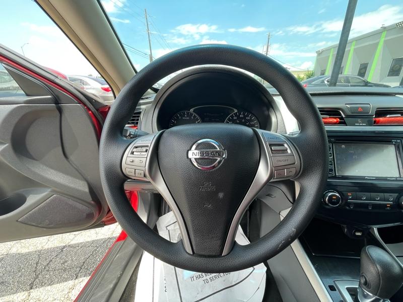 Nissan Altima 2013 price $10,900 Cash