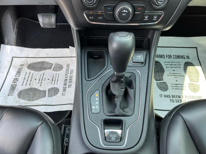 Jeep Cherokee 2019 price $22,500