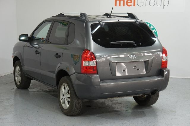 Hyundai Tucson 2009 price Call for Pricing.