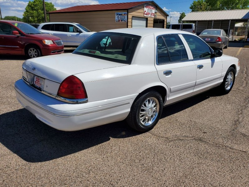 FORD CROWN VICTORIA 2003 price $5,577