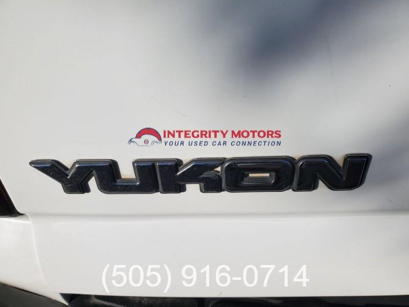 GMC YUKON 2005 price $12,977