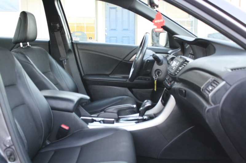 Honda Accord Sedan 2017 price $14,777