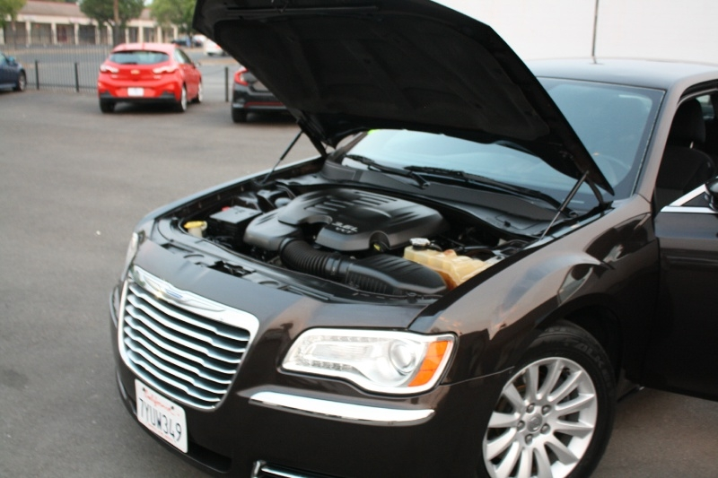 Chrysler 300 2012 price $9,988