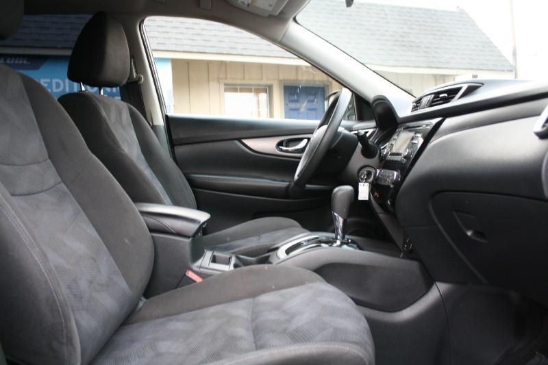 Nissan Rogue 2015 price $9,985