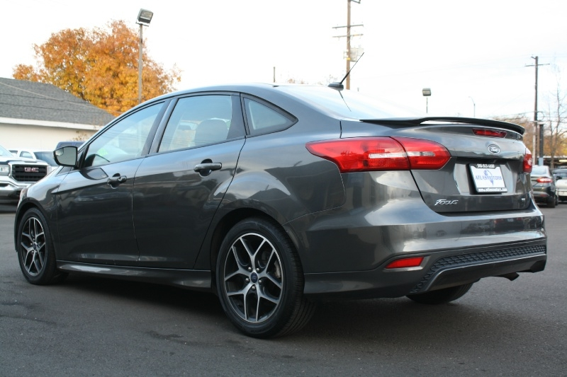 Ford Focus 2015 price $7,988