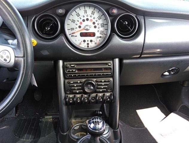 MINI Cooper 2006 price $2,950