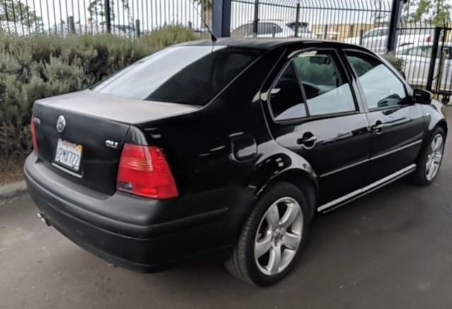 Volkswagen Jetta 2003 price $2,450