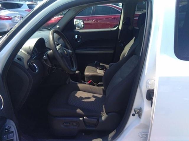 Chevrolet HHR 2011 price $3,950