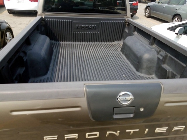 Nissan Frontier 2004 price $5,950
