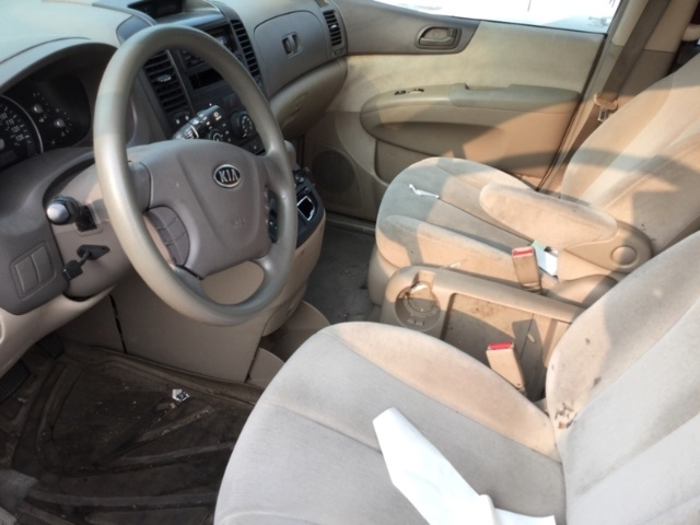 Kia Sedona 2007 price $2,650