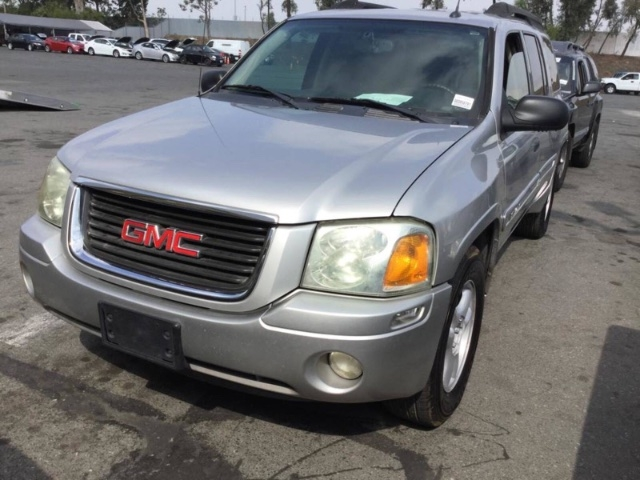 GMC Envoy XL 2005 price $3,950