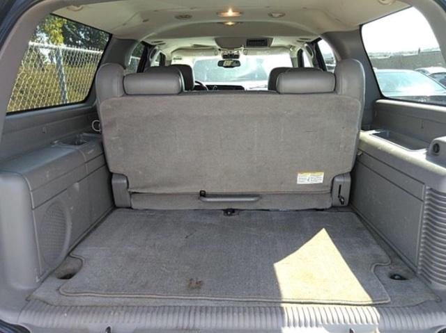 Chevrolet Suburban 2004 price $4,150