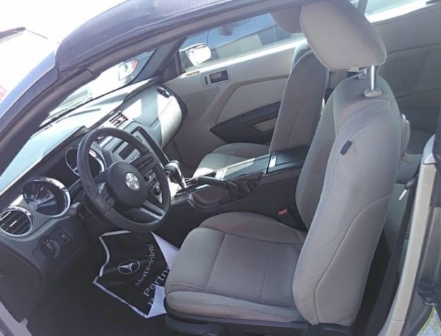 Ford Mustang 2010 price $8,250