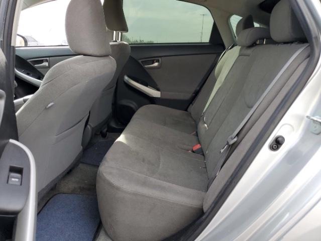 Toyota Prius 2015 price $9,750
