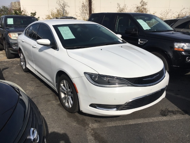 Chrysler 200 2015 price $6,950