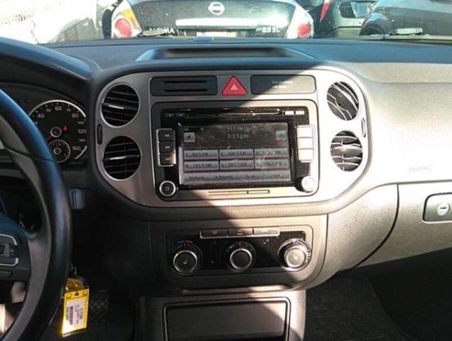 Volkswagen Tiguan 2011 price $5,250