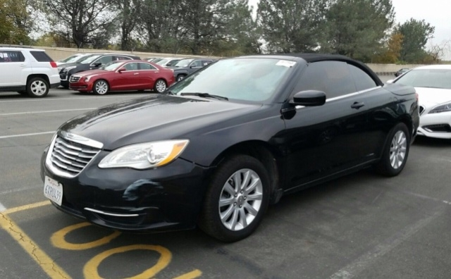 Chrysler 200 Convertible 2013 price $4,250