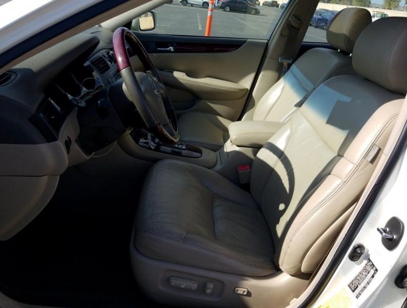 Lexus ES 330 2004 price $4,550
