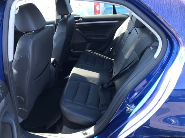 Volkswagen Jetta 2008 price $3,350