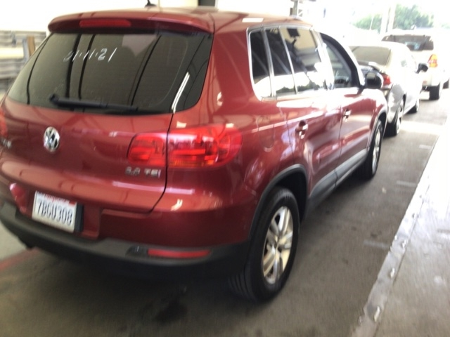Volkswagen Tiguan 2012 price $5,950