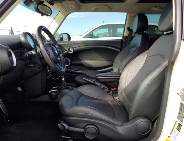 MINI Hardtop 2013 price $6,550